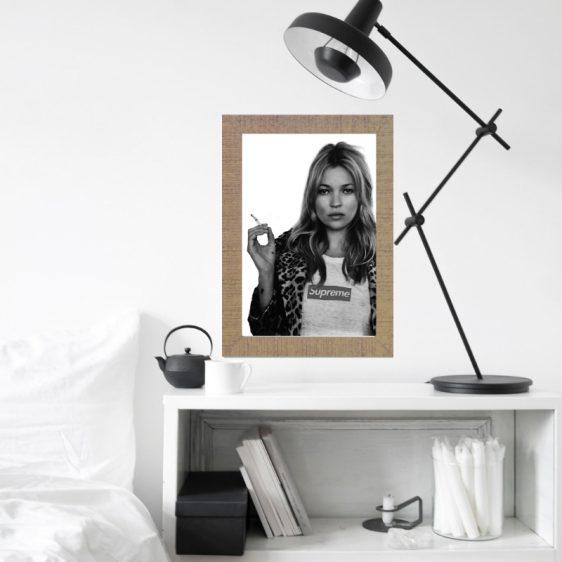 Kate Moss smoking poster  – Fashion poster –Voque posters – Fashion prints – Fashion posters in jouw interieur